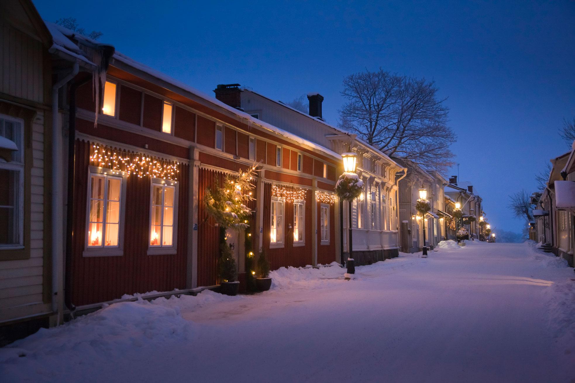 finnland erstrahlt in weihnachtlichem glanz dein. Black Bedroom Furniture Sets. Home Design Ideas